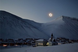 eclipse-norway-Tine-Mari-Thornes-e1426868434833